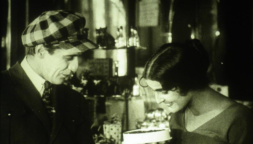 Het Sigarettenmeisje van Mosselprom (1924)